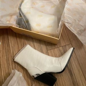 NWT White booties size 6